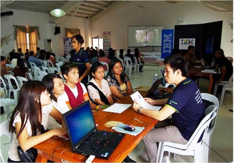 JOB FAIR. The provincial government of Ilocos Norte and International Business Machine (IBM) hold a 5-day job fair for call center agents on July 16-20, 2012. (Photo by Alaric Yanos)