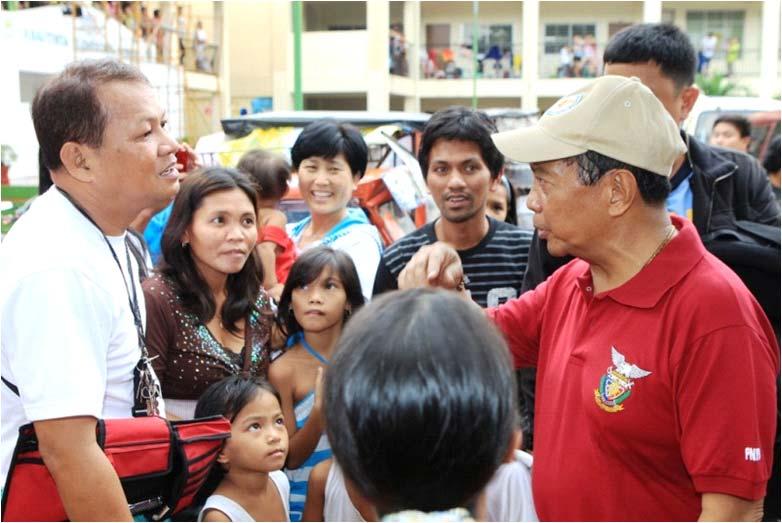 VP BINAY VISITS FLOOD VICTIMS IN MARIKINA