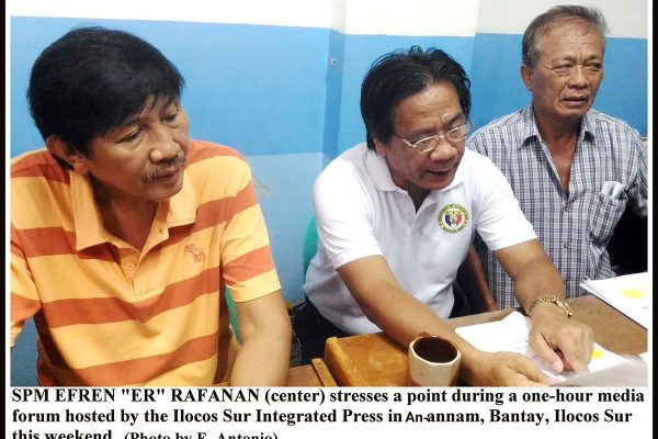 """SPM EFREN """"ER"""" RAFANAN (center) stresses a point during a one-hour media forum hosted by the Ilocos Sur Integrated Press in An-annam, Bantay, Ilocos Sur this weekend."""