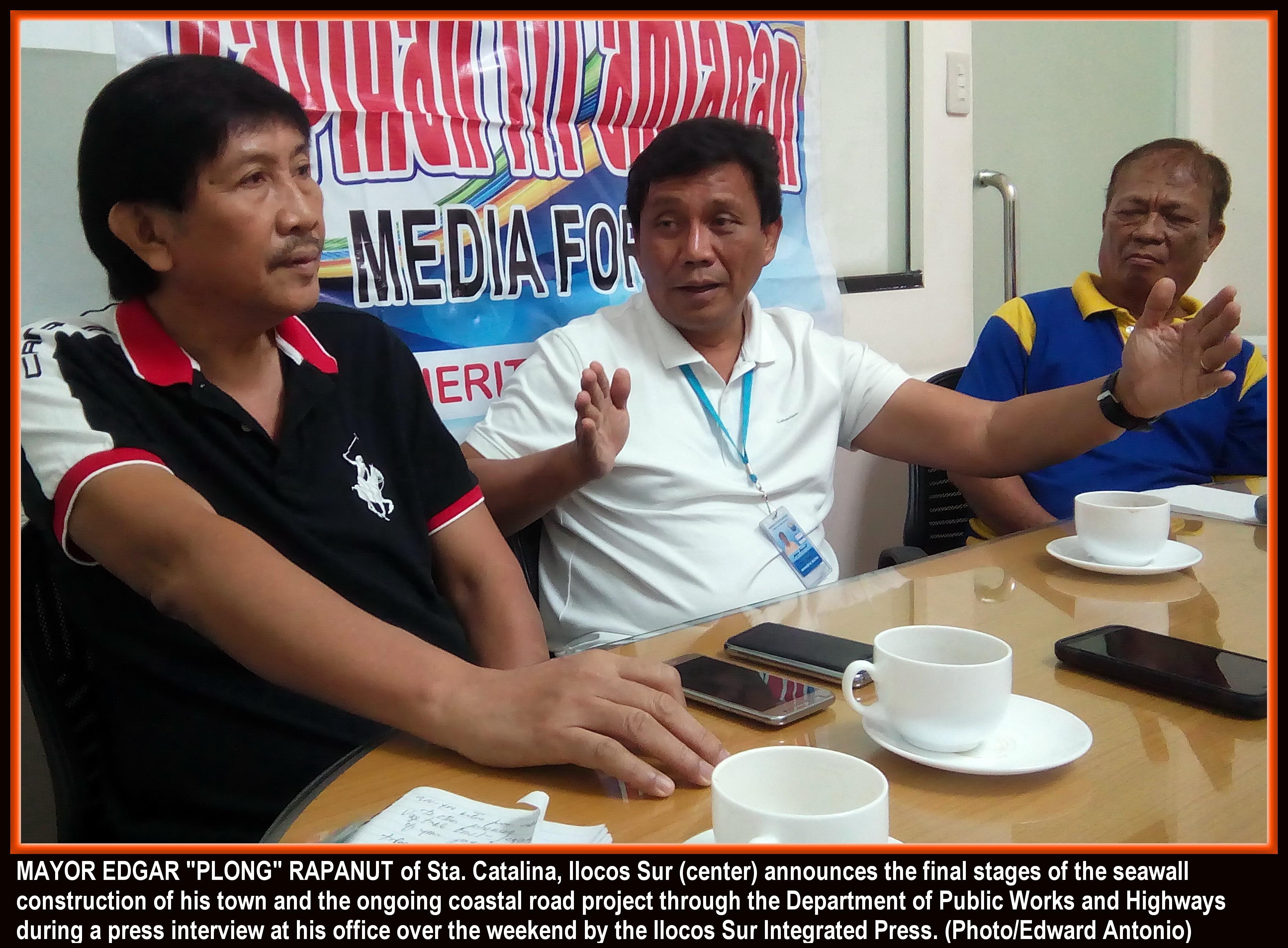 Mayor 'Plong' hopes Sta. Catalina be nominated anew for 'Seal' award (photo by Edward B. Antonio)