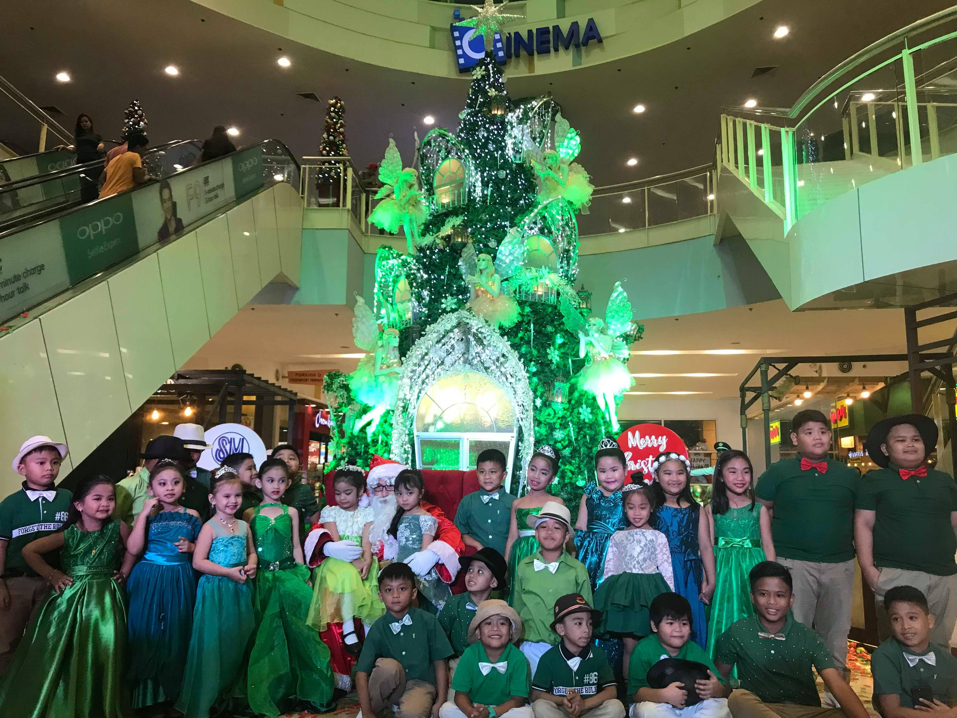 SM City Rosales christmas tree