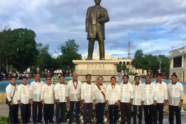 Vice Governor Jeremias C. Singson with the Knights of Rizal