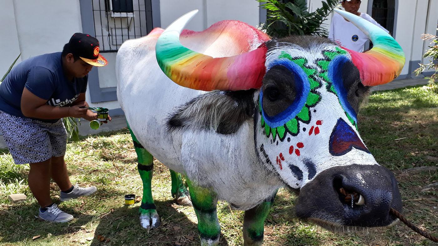 Binatbatan Festival carabao painting contest